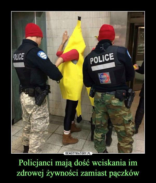 Policjanci mają dość wciskania im zdrowej żywności zamiast pączków –