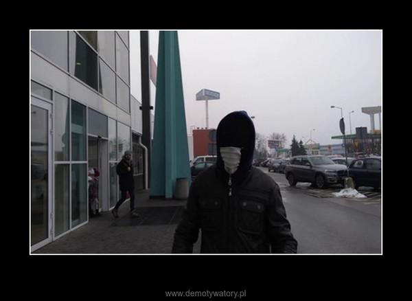 Człowiek bez twarzy grasuje w Łodzi – :D.....Kto to ? o co chodzi ?