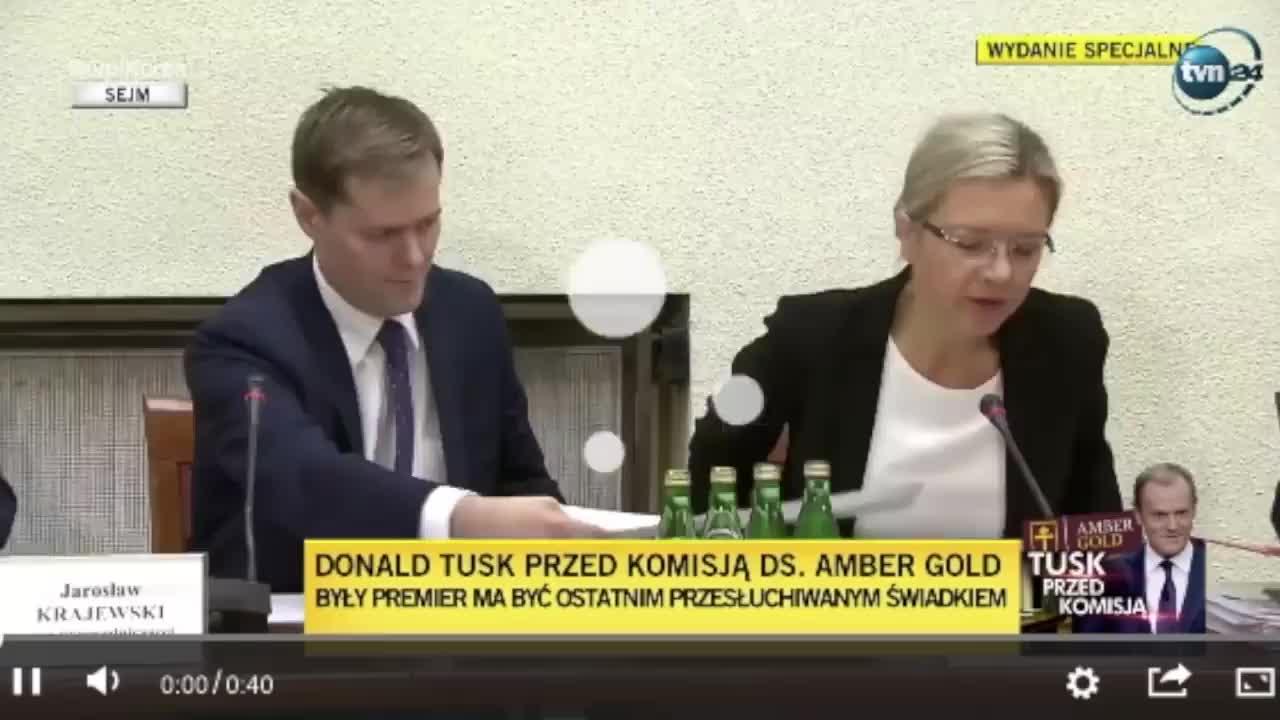 ca812a01d74231 Można za nim nie przepadać, ale trzeba przyznać, że Donald Tusk rozwalił  komisję śledczą w drobny mak – Demotywatory.pl
